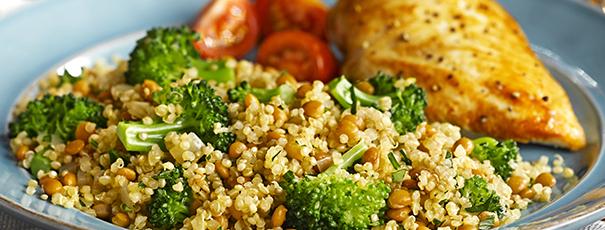 pollo con quinoa y brocolí